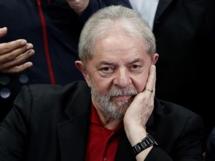Brésil: Lula sera transféré vers une prison de Sao Paulo
