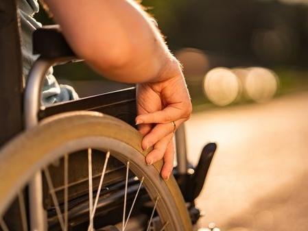 Le calvaire d'Aïda, défenestrée par son compagnon et désormais paraplégique