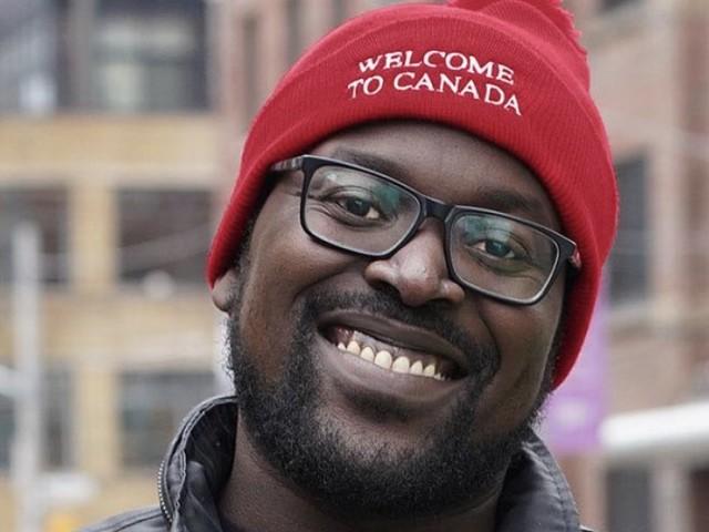 Des tuques «Bienvenue au Canada» en réponse aux casquettes «Make America Great Again»