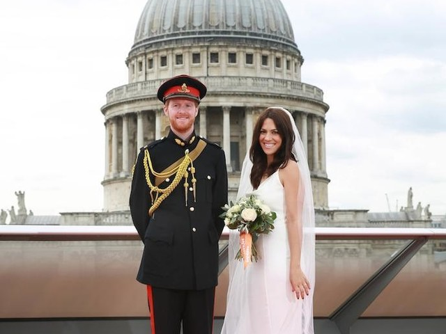 Royal wedding : les photos dingues de la fièvre royale qui s'est emparée de la Grande-Bretagne
