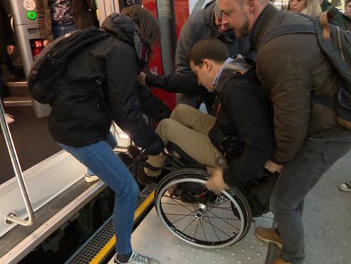 Flambant neuves, les nouvelles voitures de la SNCB seraient inadaptées aux personnes à mobilité réduite