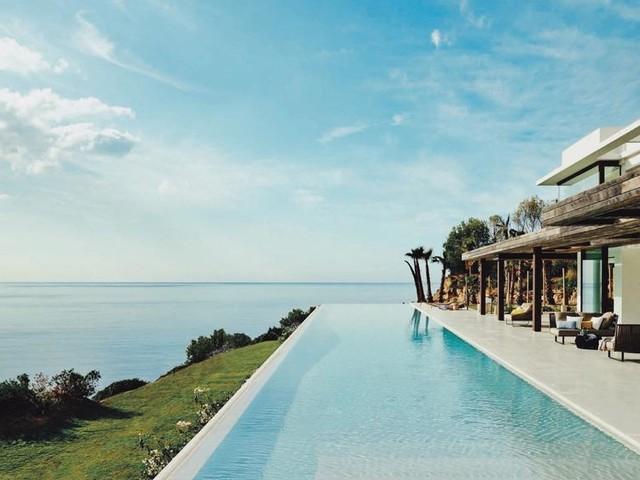 La villa à 120.000 euros de Meghan et Harry à Ibiza en images