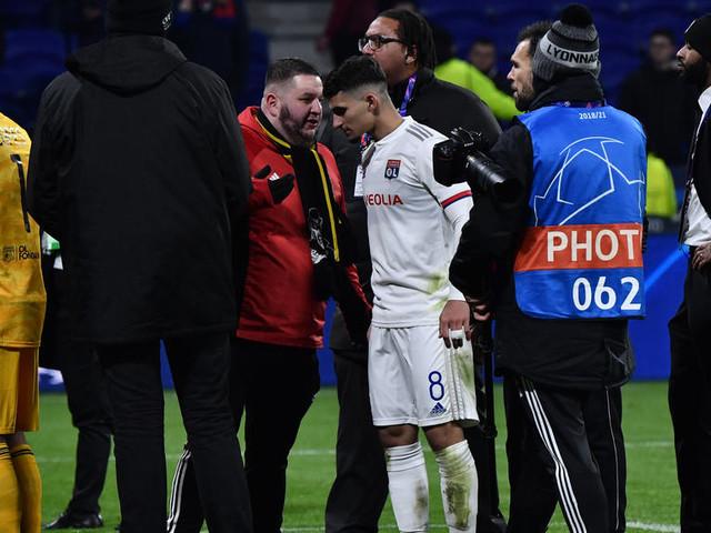Ligue des champions : fortes tensions entre joueurs et supporters après la qualification de Lyon en huitièmes de finale