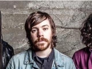 Royal Coda : le nouveau groupe de Kurt Travis (A Lot Like Birds)