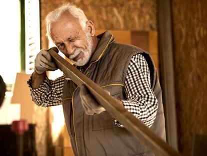 La vie active des seniors s'allonge, la précarité augmente