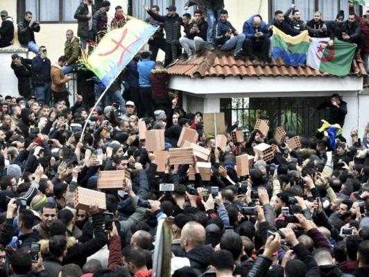 Algérie: la Kabylie frondeuse veut «zéro vote» à la présidentielle contestée
