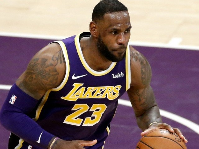 Basket – NBA : Les Lakers imposent leur loi à Houston, Gobert cartonne