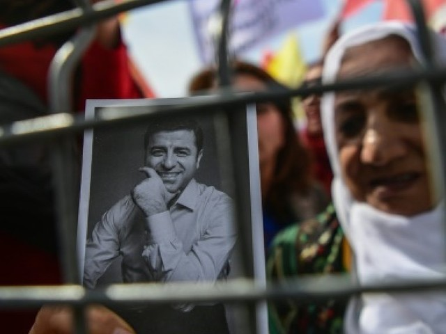 """Turquie : détenu, le candidat Demiratas déplore une campagne """"injuste"""""""