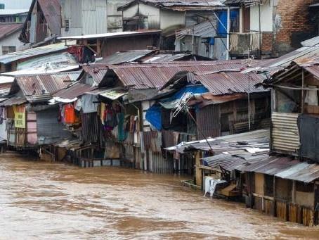 Au moins cinq morts dans des inondations à Jakarta