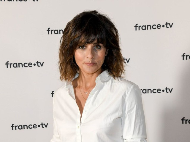 """Faustine Bollaert : cette célèbre journaliste qui a """"inspiré"""" sa carrière"""