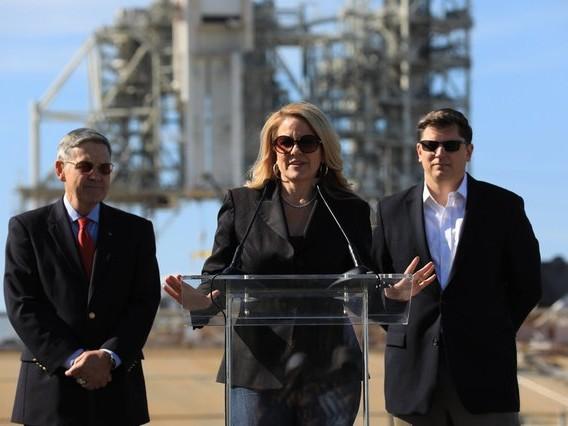Elon et Gwynne, le duo qui fait voler SpaceX