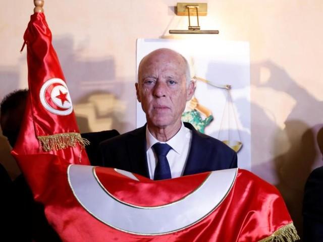 Présidentielle tunisienne : l'universitaire Kaïs Saied largement élu