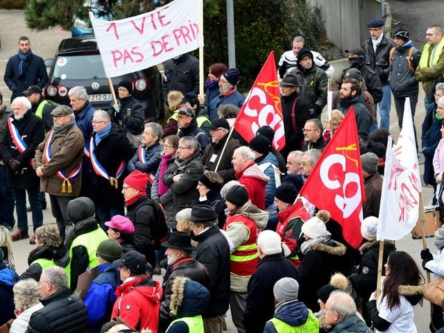 """""""On rentre chez nous en pleurant"""":le personnel des urgences de Lons-le-Saunier au bord du burn out"""
