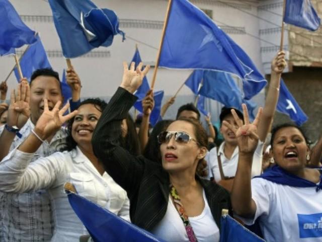 Honduras/présidentielle: les deux camps dans la rue pour crier victoire