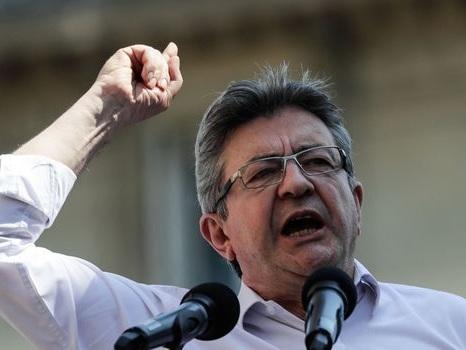 """Mélenchon veut """"un Front populaire"""" de partis, syndicats et associations"""