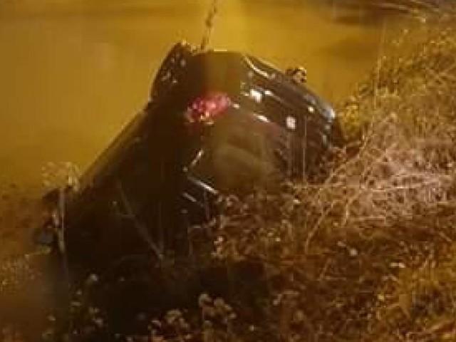 Une voiture tombe dans la Sambre à Landelies: un riverain, témoin des faits, a tendu une branche à l'automobiliste pour le sortir de l'eau