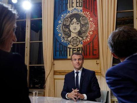 """Chômage: Macron évoque une """"plénitude"""" des résultats """"dans un an et demi, deux ans"""""""
