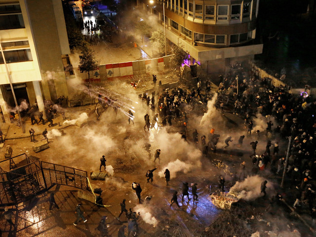 Liban: des centaines de manifestants à Beyrouth au 100e jour de la contestation