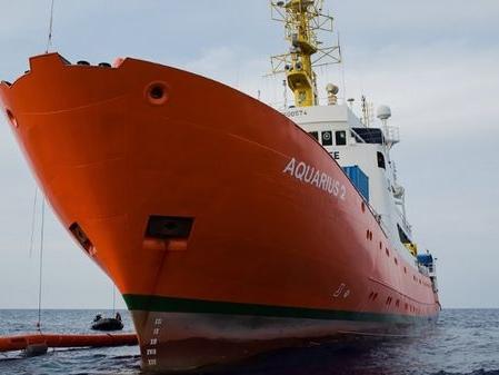 Symbole de la crise migratoire, l'Aquarius ne naviguera plus