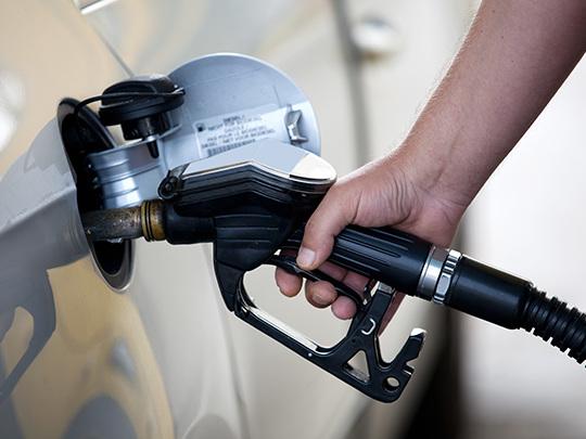 Carburants : les prix du gazole et de l'essence continuent de baisser