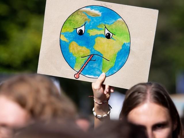 """Climat: """"aucun signe"""" que les émissions de CO2 vont baisser ces prochaines années"""
