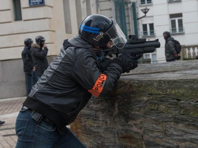 LBD : en réalité, le ministère n'oblige pas vraiment les policiers à filmer leurs tirs