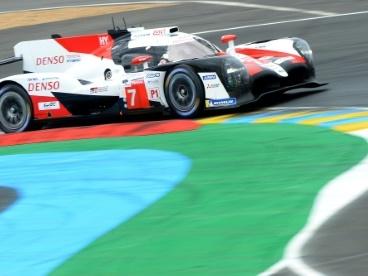 24 Heures du Mans: les Toyota prennent les devants dès le départ