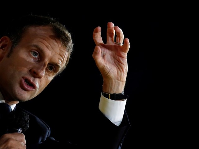 """À Al-Jazeera, Macron dit """"comprendre"""" que les caricatures puissent """"choquer"""" mais dénonce la violence"""