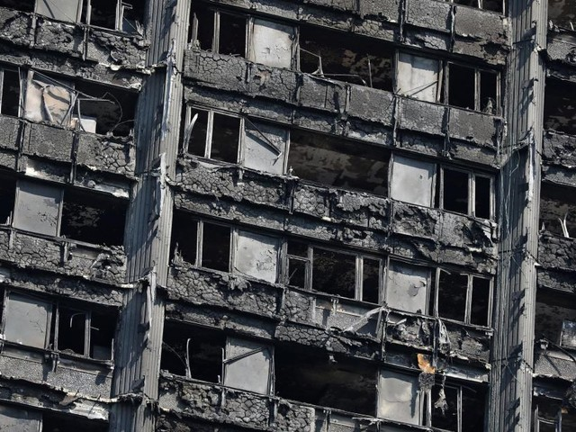 42 cadavres ont été retrouvés dans une seule chambre de la Grenfell Tower à Londres (vidéo)