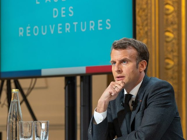 Coronavirus : la vaccination sera ouverte à tous les adultes à partir du 15 juin, annonce Emmanuel Macron