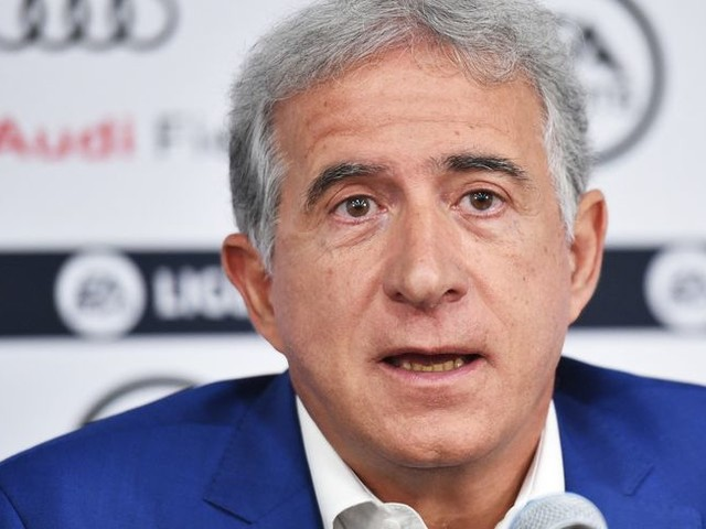 "Super Ligue de football : ""un vaste coup de bluff"" selon Bernard Caïazzo"
