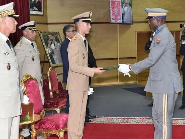Kénitra: Moulay El Hassan préside la cérémonie de sortie de 2 promotions du Collège royal de l'enseignement militaire supérieur