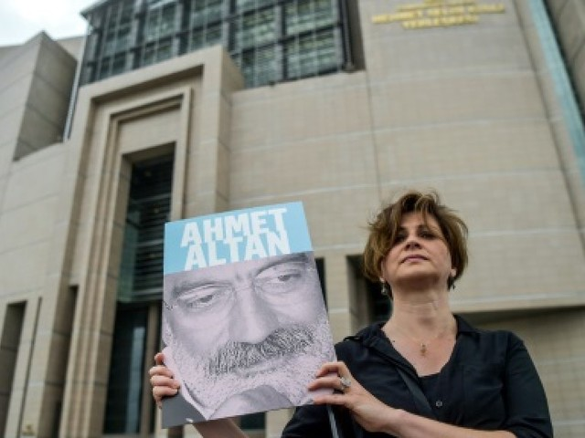 Turquie: premier procès de journalistes en lien avec le putsch