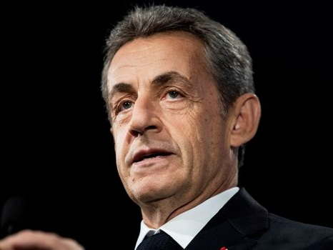 """Sarkozy a """"de la peine"""" pour les Balkany et """"espère qu'ils vont tenir le coup"""""""