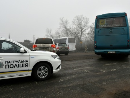 En Ukraine, échange massif des prisonniers entre Kiev et séparatistes