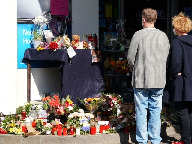En Allemagne, le meurtre d'un employé par un anti-masque suscite une émotion nationale