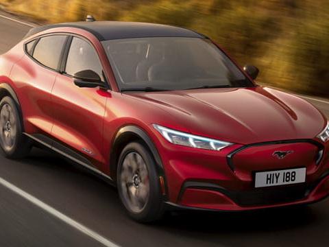 Ford Mustang Mach-E: un premier SUV électrique chez Ford! [prix]
