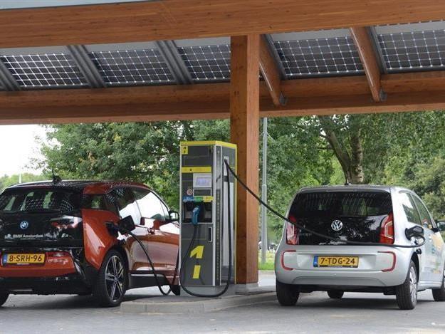 Livraisons Tesla Model 3, Volkswagen et les subventions diesel, Fastned : l'essentiel de l'actu de ce lundi