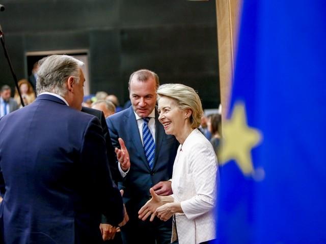 [Le Récap' des européennes] Ursula von der Leyen en quête de voix au Parlement européen
