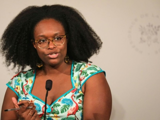 "Burkini: Ndiaye condamne ""les activistes communautaristes"" qui alimentent ""un débat qui n'a pas lieu d'être"""