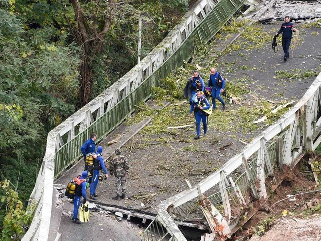 Pont effondré dans le Tarn : le drame en images
