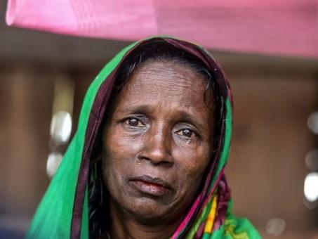 """Au Bangladesh, la double peine des """"veuves de tigres"""""""