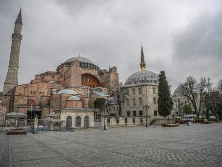 Coronavirus: le maire d'Istanbul réclame un confinement total