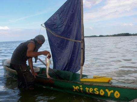 Venezuela: pêche à la voile et vélo-taxi dans la région pétrolière sans carburant