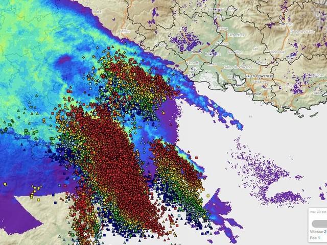 Inondations dans l'Aude : intense activité orageuse, cumuls de pluie jusqu'à 100 mm en trois heures à 4 h du matin