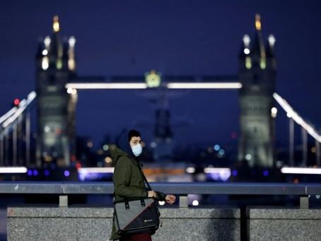 Virus: l'Allemagne prolonge ses restrictions, le reste de l'Europe les allège