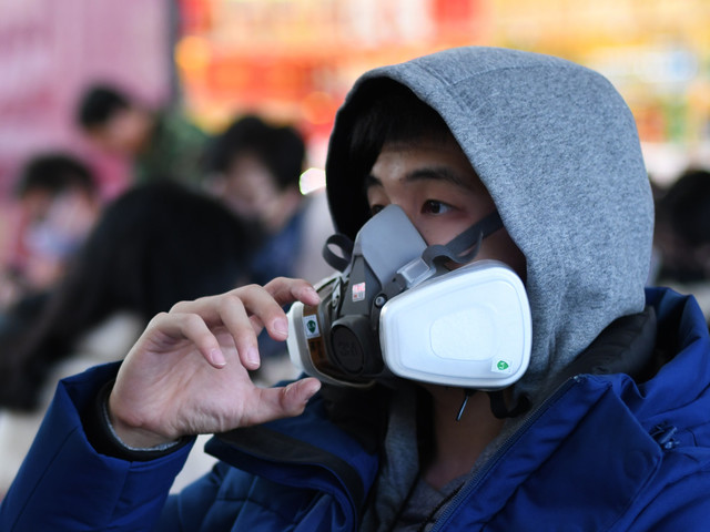 """Virus: la France """"envisage"""" des autobus pour les Français qui veulent quitter Wuhan (officiel)"""