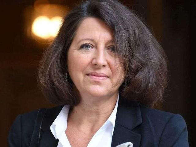 """Agnès Buzyn reconnaît """"un problème de rémunération"""" pour """"rendre l'hôpital public attractif"""""""