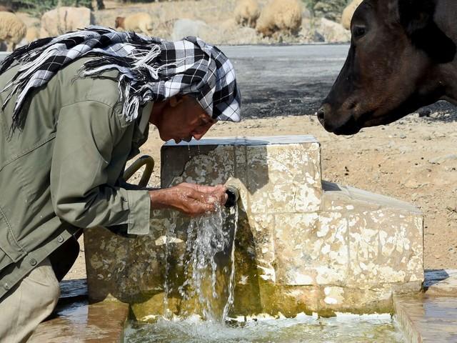 """Déficit de 21 millions de dinars à la SONEDE: Pour son PDG, """"l'eau est bradée en Tunisie"""""""