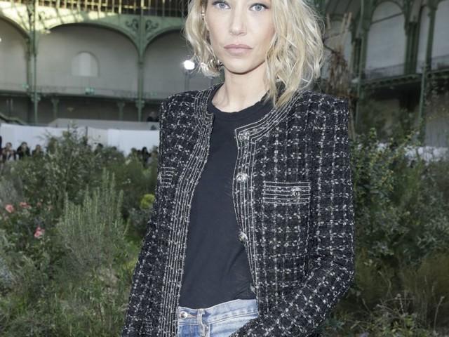 Laura Smet : Nouvelle coupe pour le défilé Haute Couture de Chanel